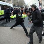 Британский журналист пожаловался на действия полиции в Бристоле | анонсы на oremontekvartir