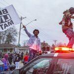 В Миннесоте полиция применила шумовые гранаты для разгона демонстрантов | анонсы на oremontekvartir